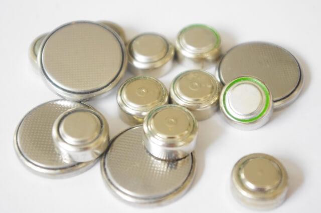 ボタン電池