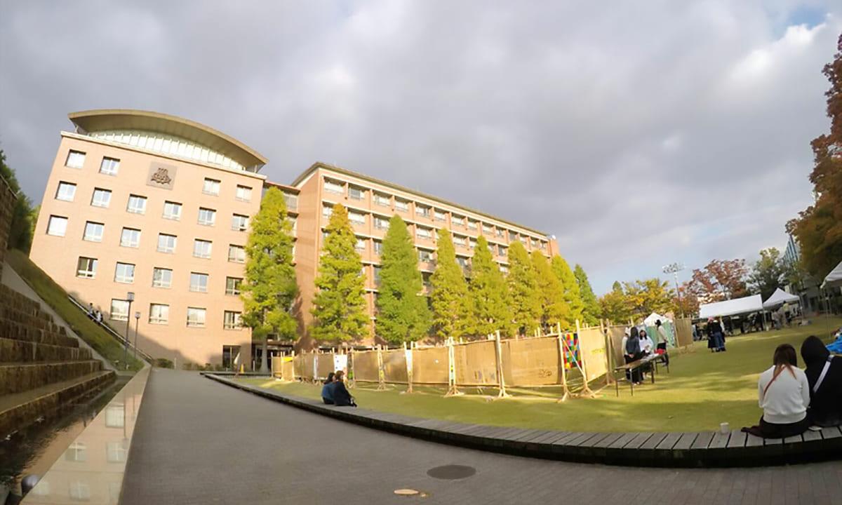 南海キャンディーズ山里蒼井優結婚関西大学祝福ツイート
